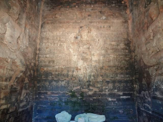 プラサット・クラヴァンのヴィシュヌ神のレリーフ