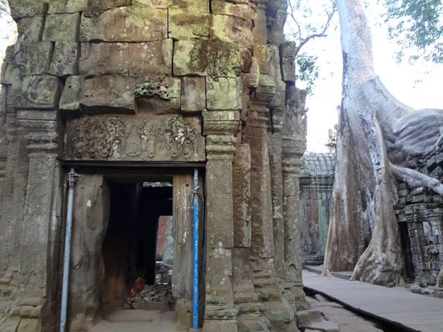 タ・プローム遺跡の音の反響する祠
