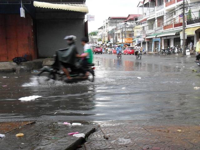 カンボジア雨季の様子