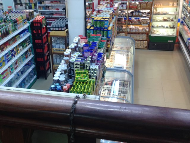 アンコールマーケット1階