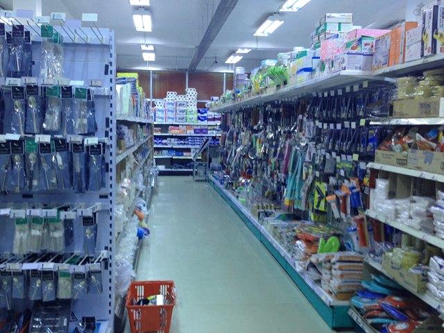 アンコールマーケット2階の生活用品