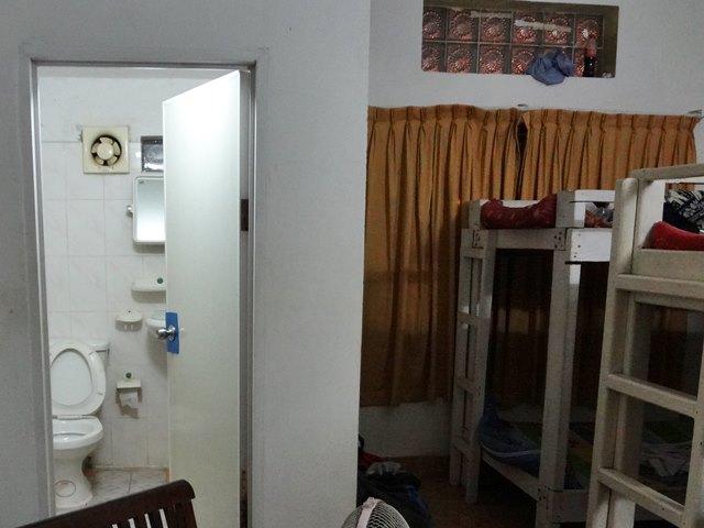 ドミトリー部屋の中にあるバスルーム