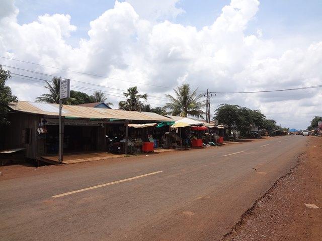 コーケー遺跡最寄りのスラヨン村