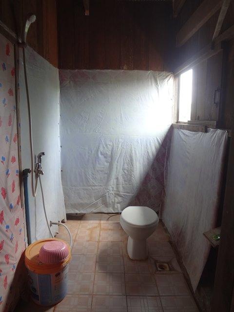 スラヨンのゲストハウスのトイレ