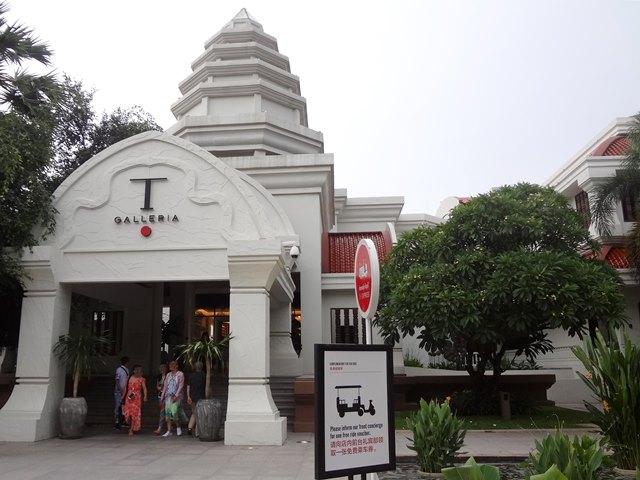 アンコール国立博物館の隣の免税店DFS