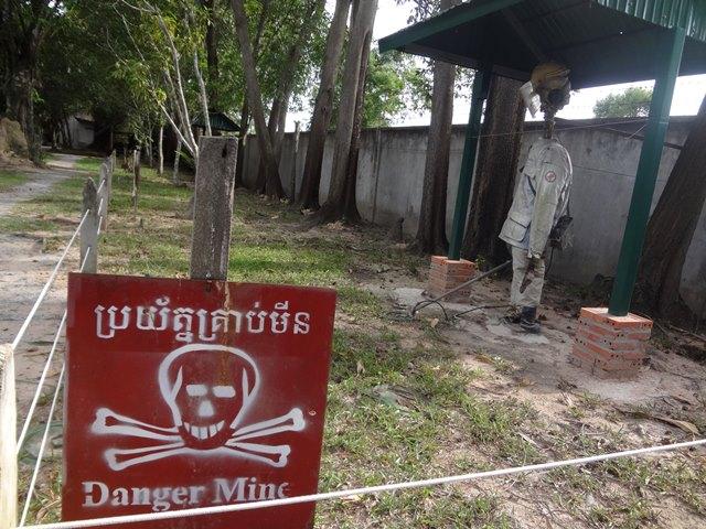 地雷除去の様子の再現
