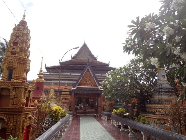 ワット・プレア・プロム・ラット寺院、本堂