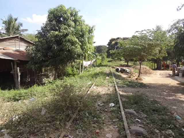 バッタンバン街中の線路