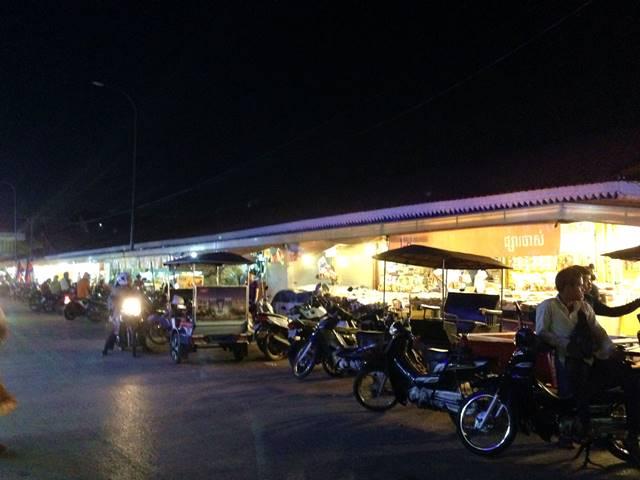 シェムリアップのオールドマーケットの夜