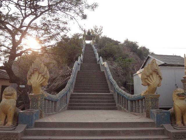プノンクロムの階段
