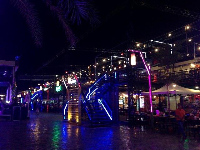 Palm Container Night Marketのレストラン・バーエリア