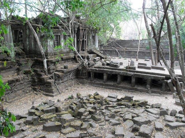スタジオ・ジブリの映画「天空の城ラピュタ」のモデルになったと噂されるカンボジアのベンメリア遺跡