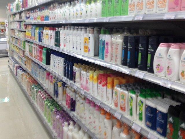 シェムリアップのスーパーに売られているシャンプー