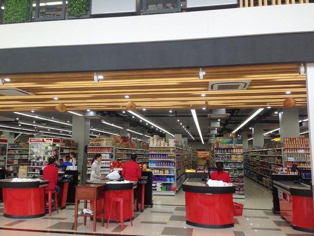 新アンコールマーケットの1階のレジ