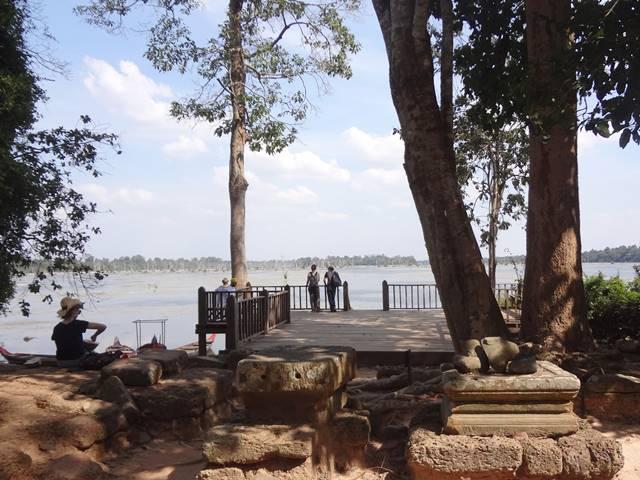 プリアカンの東側から見渡す貯水池