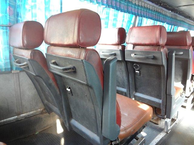 カンボジアの格安のローカルバス