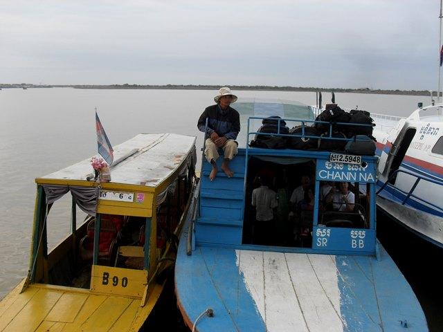 チョンクニアのクルーズのボート