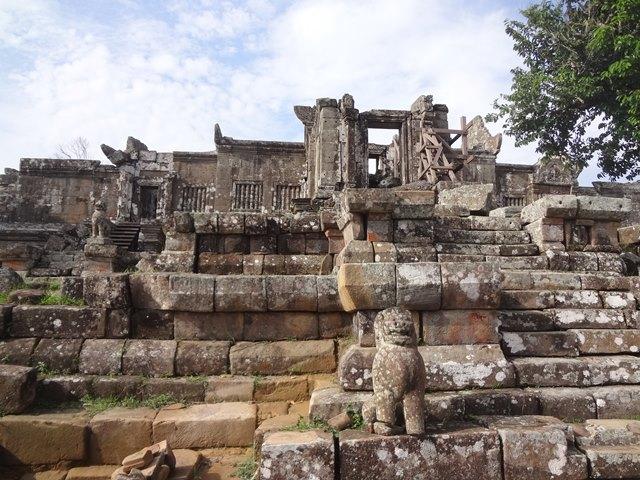 プレアヴィヒア遺跡の第四塔門