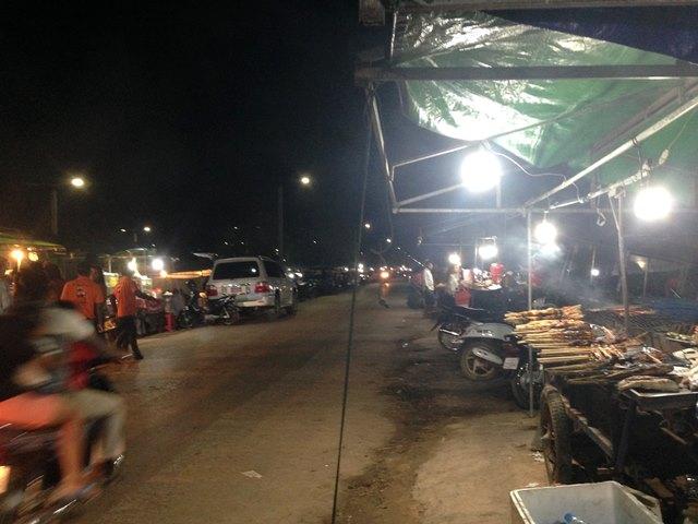 地元カンボジア人に大人気のプラウ・ホクサップ
