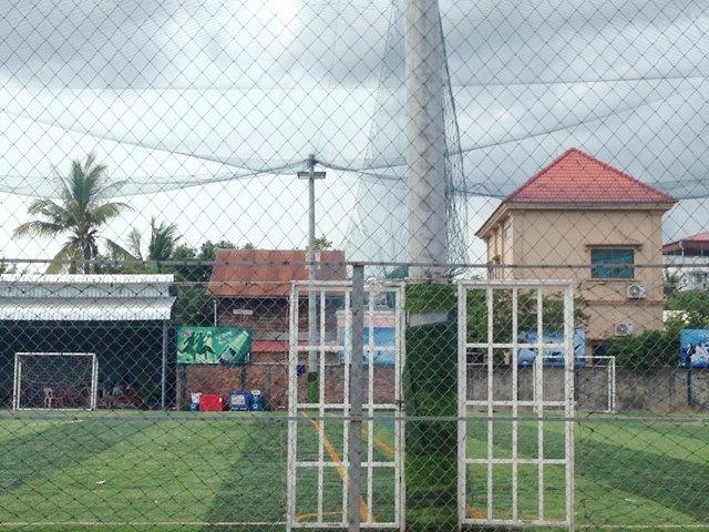 シェムリアップにあるサッカーができるローカル・スポーツ広場