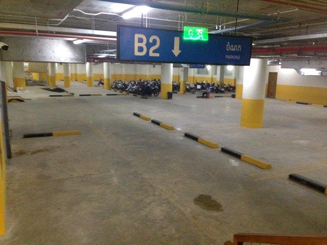 ヘリテージウォークの地下の駐車場