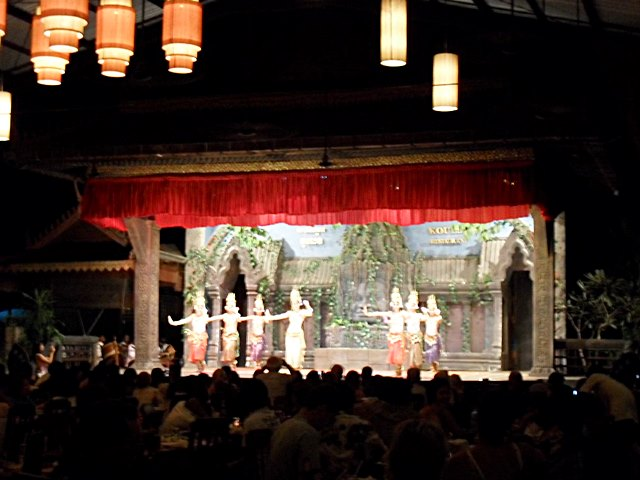 アプサラダンスの見れる有名なクーレン2・レストラン