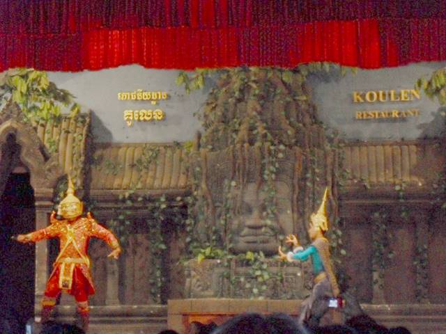 アプサラダンスはカンボジアの伝統舞踊!