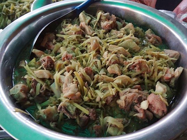 カンボジア料理②「チャー・クニャイ」」