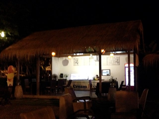 カンボジアサーカス・ファーのアイスクリーム屋