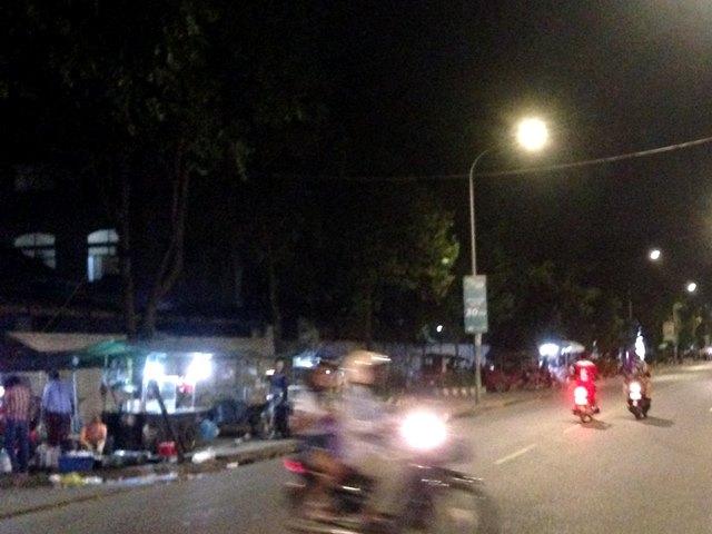 ひったくりに注意な夜道