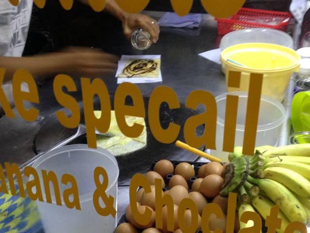 カンボジアのローカルフード「パンケーキ」