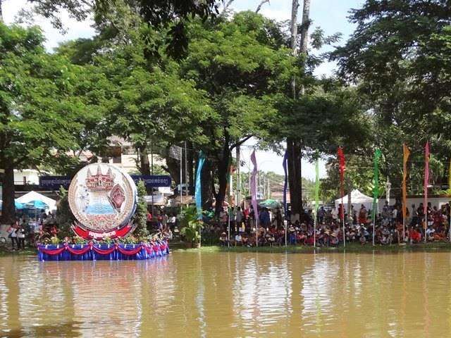 カンボジアの水祭り