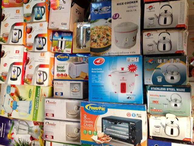 市場で売っている電化製品