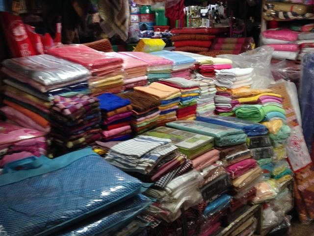 市場に売っているタオル類