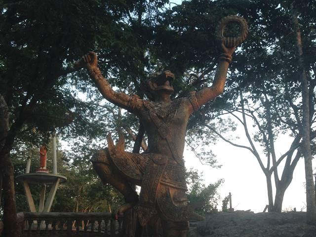 猿の神「ハヌマーン」の像