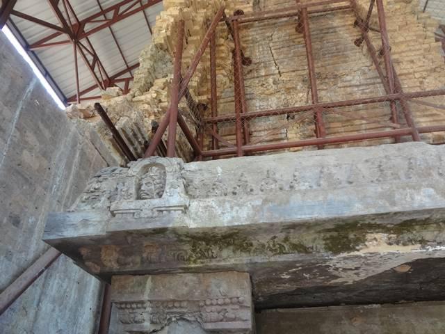 プラサット・イェイ・ポアンの顔の彫刻