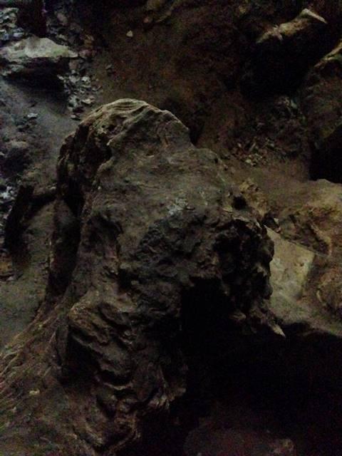 プノン・クバール・ロメアスのドラゴンの頭の岩