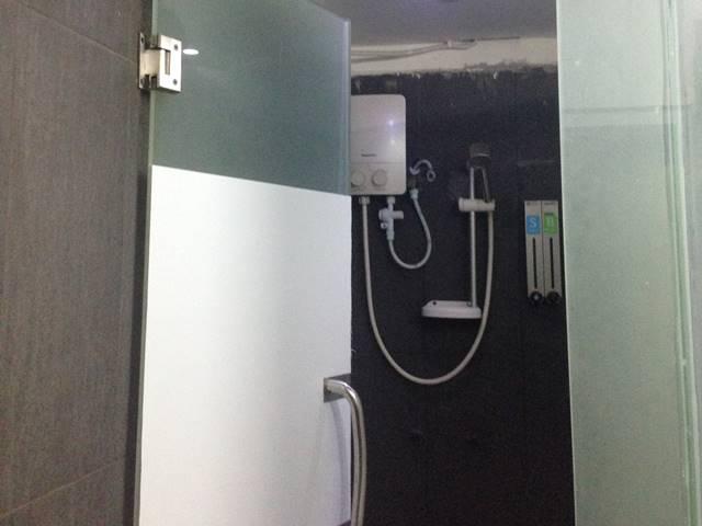 ワンストップ・ホステル・プノンペンのシャワールーム