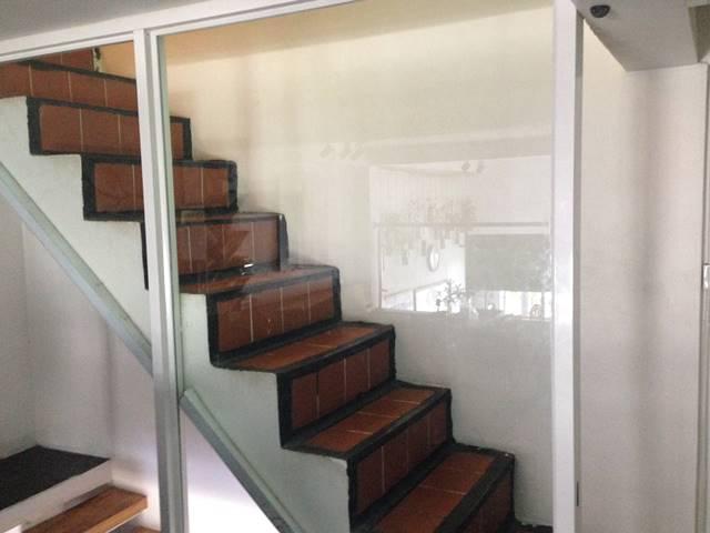 ワンストップ・ホステル・プノンペンの階段