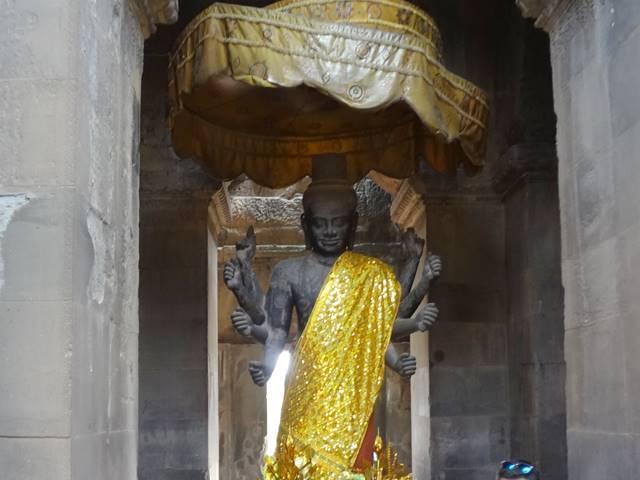 アンコールワットにあるヴィシュヌ神の像