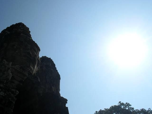 遺跡観光時の直射日光に注意