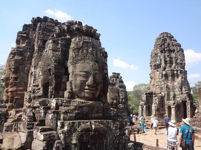 バイヨン寺院の四面仏像
