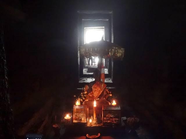 バイヨン寺院の中央祠堂に中に祀られた像