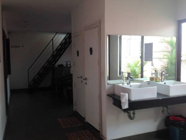 オーラ・シィーマティック・ホステルのバスルーム