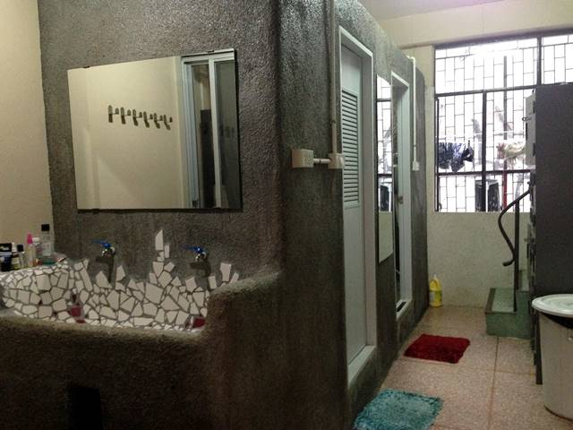 ボーン・フリー・ホステルのバスルーム