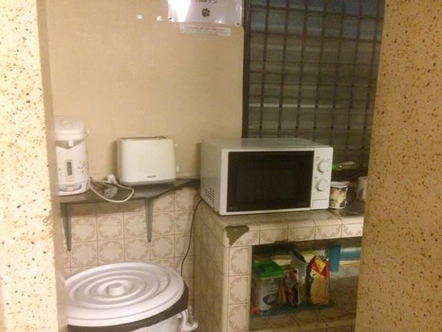 ボーン・フリー・ホステルのミニキッチン