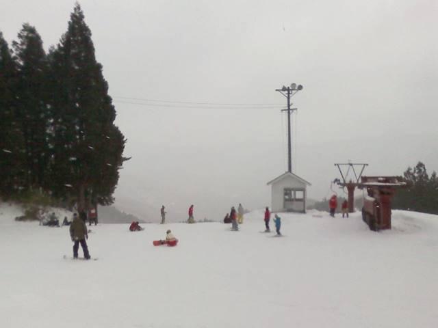 スキー場でリゾートバイト!リフトスタッフ