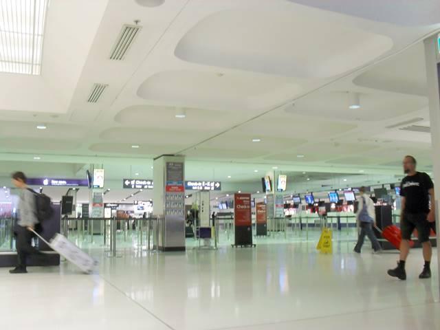 カンボジア行き航空券の料金