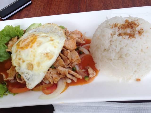 カンボジア料理「ロックラック」