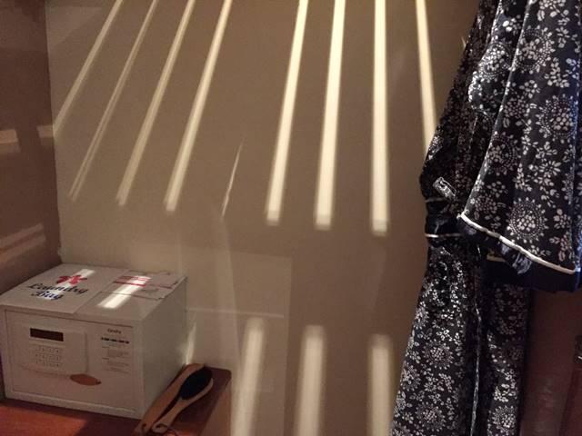 ソカ・アンコール・リゾート・ホテルのセーフティボックスと浴衣